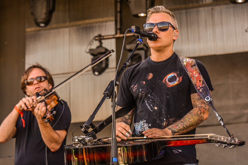 The Bluegrass Generals featuring Andy Hall and Chris Pandolfi of the Infamous Stringdusters had the crowd hopping at the ARISE Music Festival, Sunday, August 7, 2016.