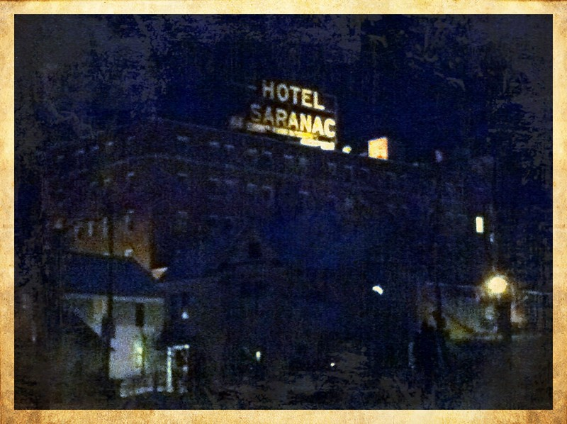 Hotel Saranac by night