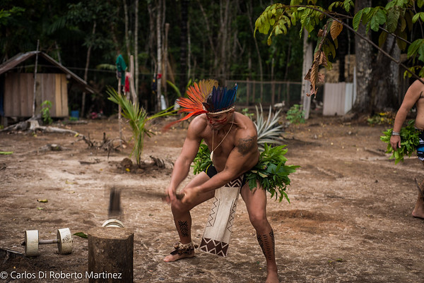 UFC Champion Vitor Belfort practicing with Tatuyo People