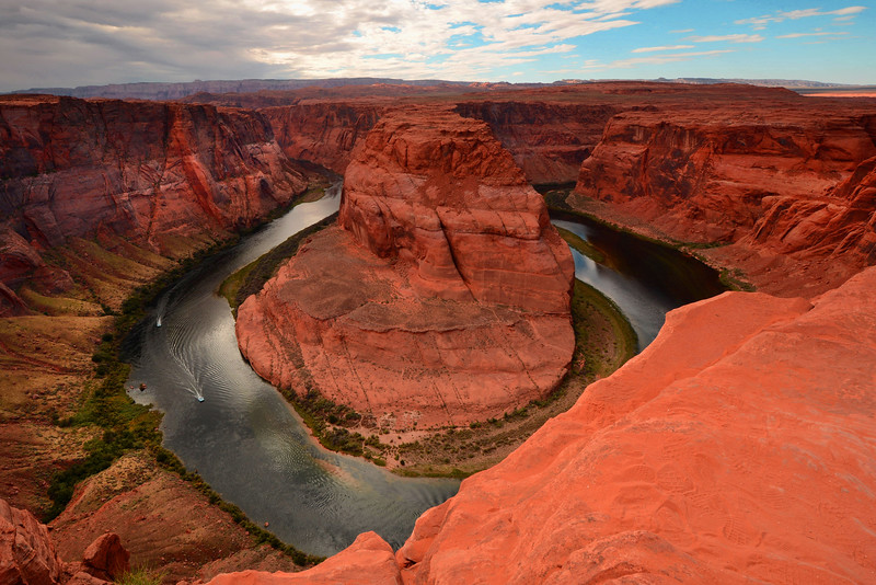 Horseshoe Bend With Riverboats, Utah