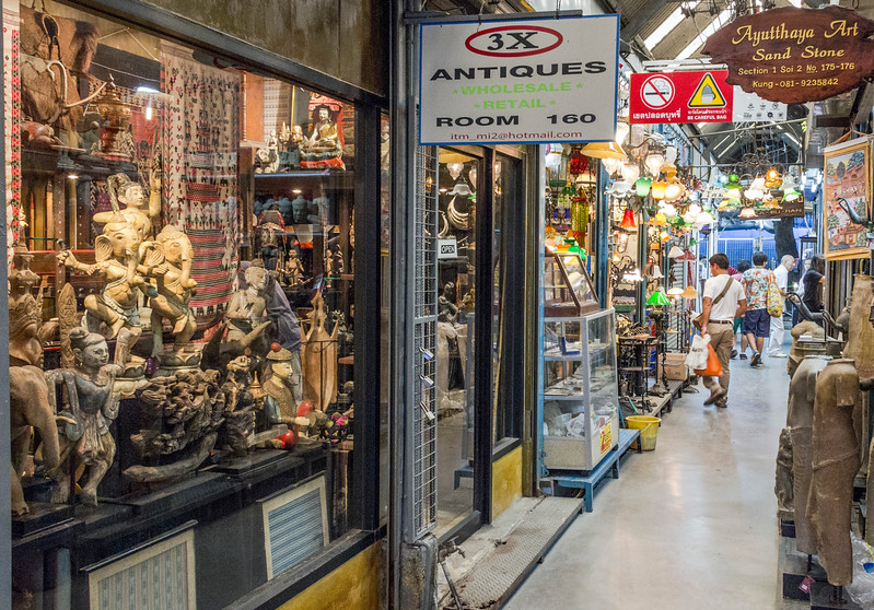 Bangkok-antiques sourcing with Toma Clark Haines-Antiques Diva & Co-_MG_9277
