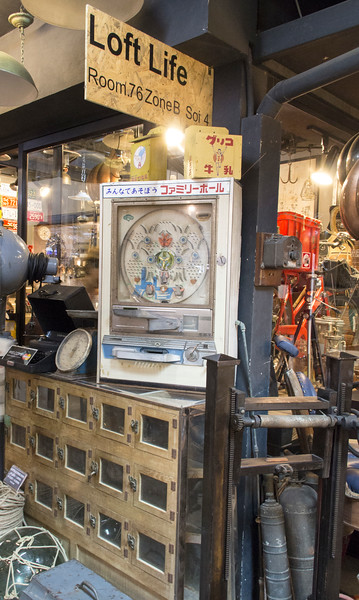 Bangkok-antiques sourcing with Toma Clark Haines-Antiques Diva & Co-_MG_8781