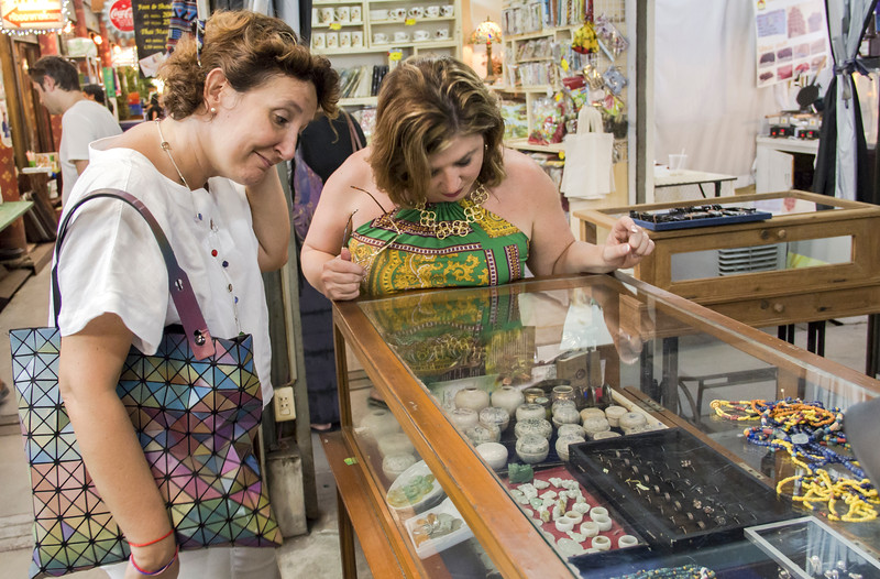 Bangkok-antiques sourcing with Toma Clark Haines-Antiques Diva & Co-_MG_9037