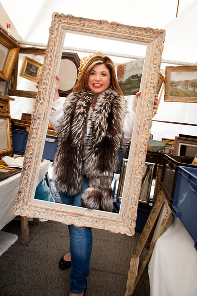 OLL_7768 fur and frame