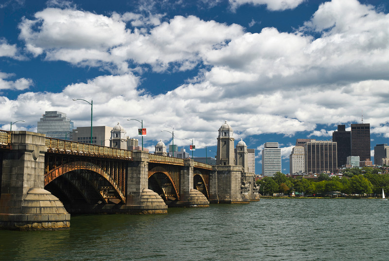 <b>The Longfellow Bridge</b> - It's unfortunate that this bridge is in such disrepair.  It's one of the more recognizable structures in Boston, and presents a welcoming entrance to Boston from Cambridge.