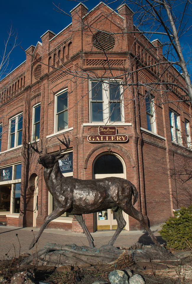 Valley Bronze was the first foundry in Wallowa County. Their gallery showcases many bronze pieces cast there, as well as photographs and paintings by  several Wallowa County artists