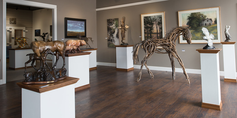Malcolm and Tami Phinney opened the Phinney Gallery of Fine Art in 2014. Their gallery is located on Joseph's South Main Street. They represent many local artists, as well as artists from across the Northwest.