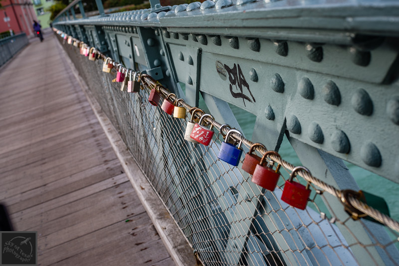 Love locks on the Innsbruck bridge.