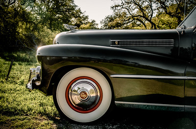 Side view of the hood of a 1941 Cadillac.