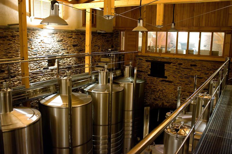 Roman cellars, modern tanks - A Coroa has it all.