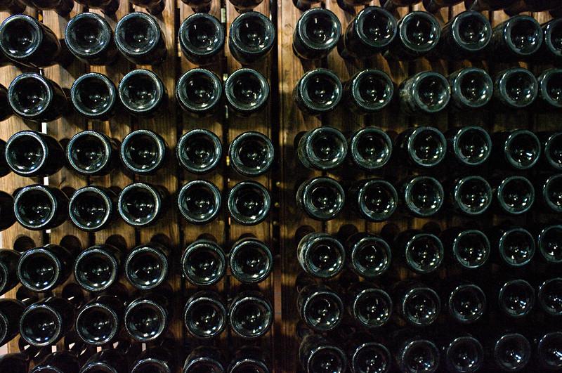 Sparkling riddling racks at Doniene.