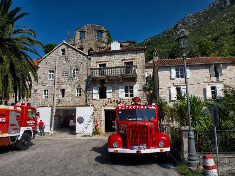 Vatrogasci, Perast, Montenegro