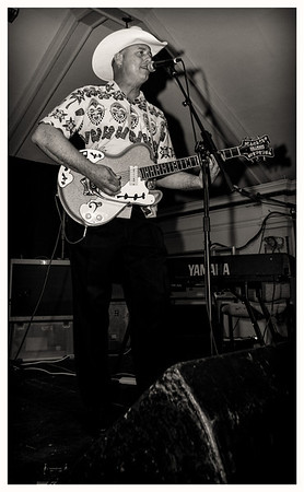 Deke Dickerson & The Ecco-Fonics, July 2013