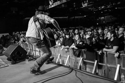 Cody Jinks / The Van Buren / Phoenix, Arizona / 12.14.17