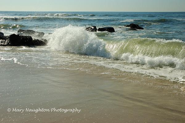 Shore breaker