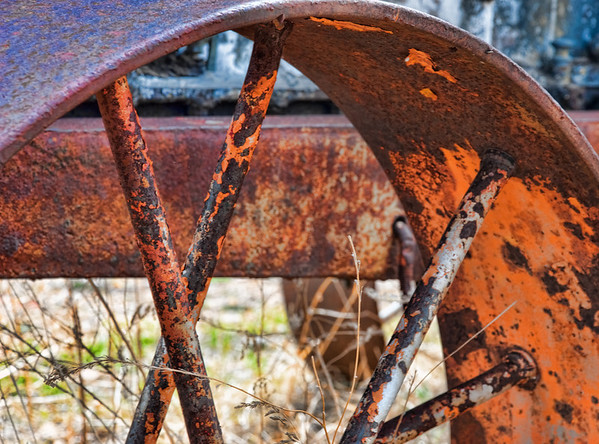 Iron wheel and spokes