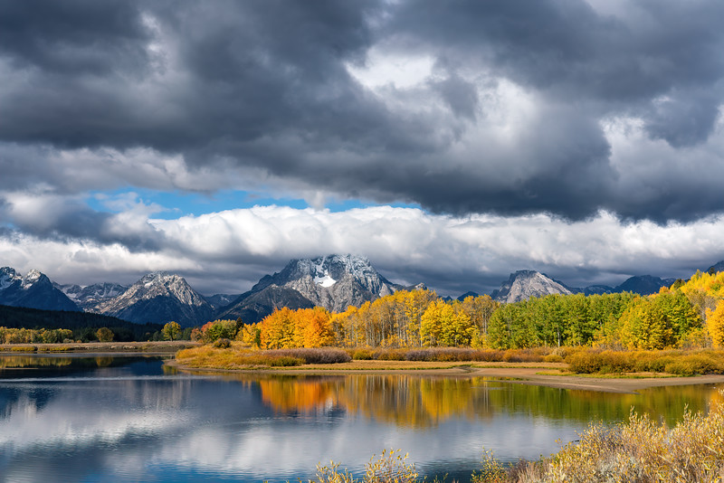 Fall at Oxbow Bend in Grand Teton National Park