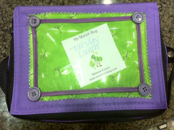 "Add a love note or decorative photo to your  lunch box with a vinyl pocket! FREE tutorial included <a href=""http://www.easylunchboxes.com/blog/personalize-your-cooler-bag-with-note-pockets/""> HERE</a> thanks to Melanie of <a href=""http://www.mymunchbug.com/about-us.html""> My Munch Bug</a> and Rachel of <a href=""http://www.etsy.com/shop/eljahb""> Eljah*B</a>"