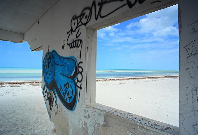 Holbox ruin March 2009.jpg