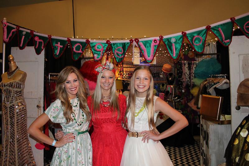 Stephanie Oelschlaeger, Samantha Hamrick, Lauren Walker (1)