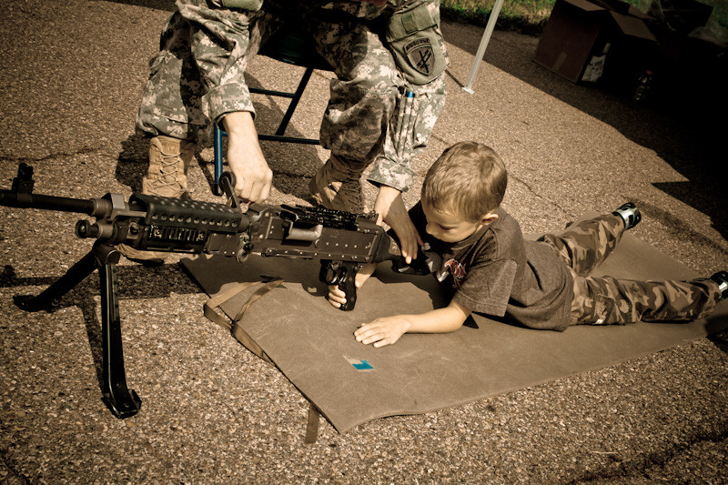 Koben getting some machine gun lessons