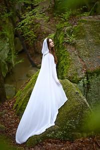 Photographer: Jennifer Ilene Model: Irene Hochgraf Cameron Cloak: El Costurero Real