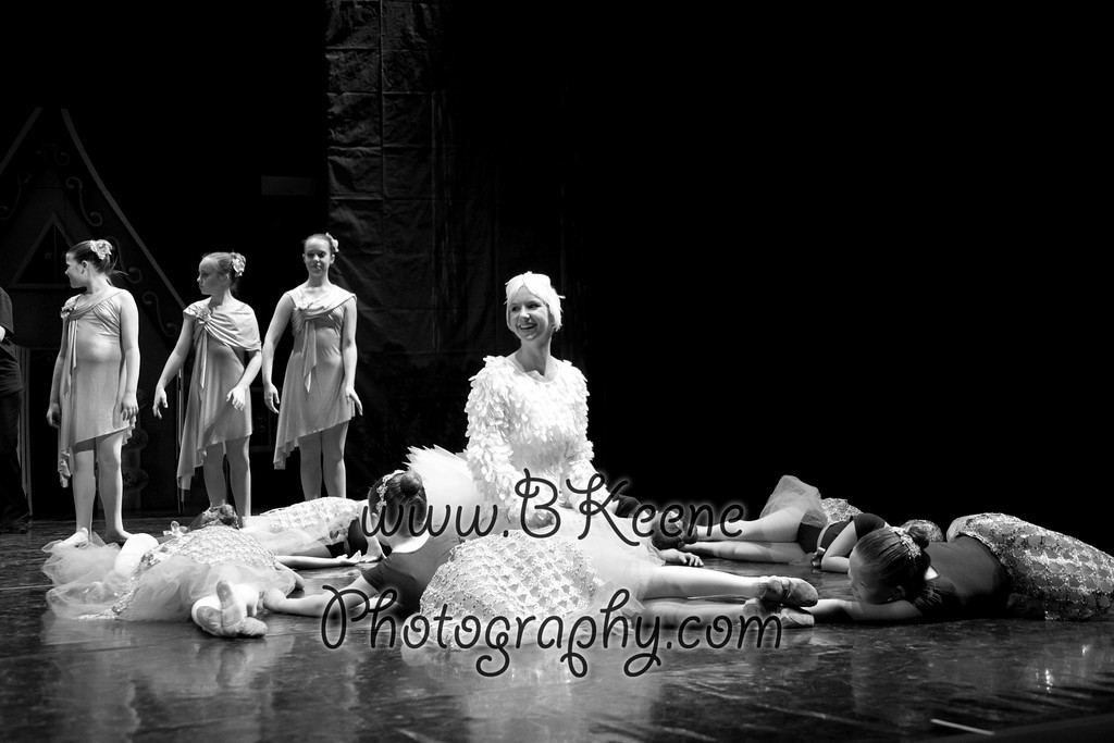 DRESSR_APRIL_BALLET SPRING2011_BK-516