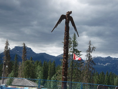 This totem pole appears to tower above the surrounding peaks.