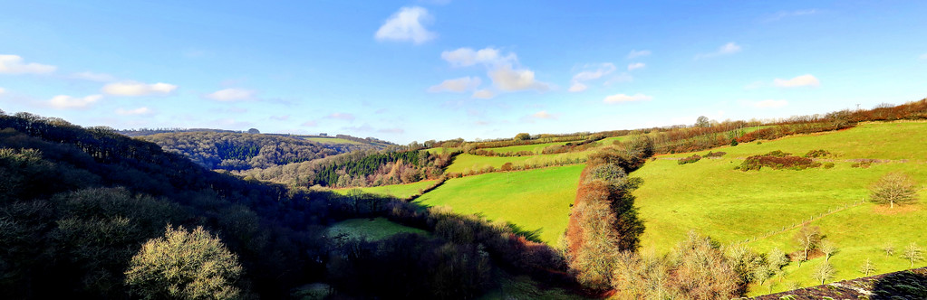 28 Dec 2016 - The view from the top of Wimbleball Dam