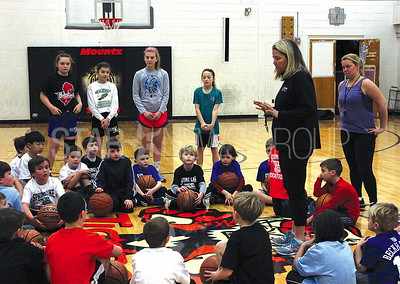 Spring Lake Basketball Clinic at HW Mountz Elementary School 01/07/2016: Beginning of clinic