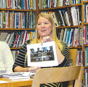 """Avon Author reading at Avon Public Library 01/07/2016: Chrissy Lourenco talking about her new book """"Commuter bob"""""""