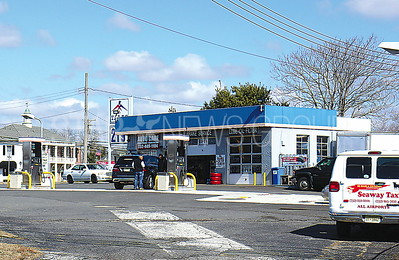 GENERICS Wall: Gas Station rt. 35