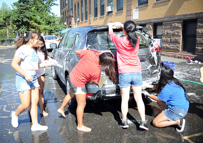 8TH GRADE STUDENTS AT THE BRADLEY BEACH ELEMENTARY SCHOOL, BRADLEY BEACH, NEW JERSEY, HELD A CAR WASH AT THE SCHOOL TO HELP FUND THEIR FUTURE TRIP TO WASHINGTON, D.C. THE EVENT WAS HELD ON 09/30/18./ (STEVE WEXLER/THE COAST STAR).