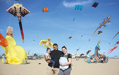 BMR Kite Fest// the Munoz Family Edgar and Catherine with Maya 2 and Roman 1 month of Ocean Township