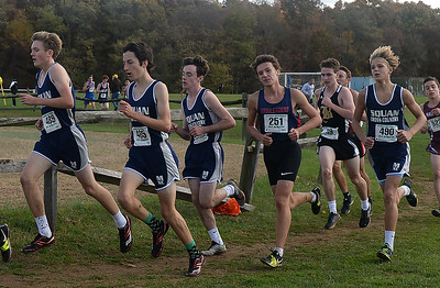 MALE MANASQUAN HIGH SCHOOL RUNNERS AT THE NJSIAA SECTIONAL MEET IN MONROE, NEW JERSEY ON 11/03/2018. (STEVE WEXLER/THE COASDT STAR).