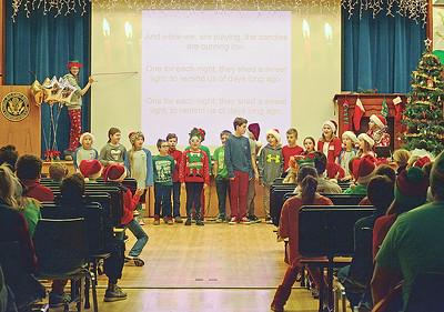4th graders singing