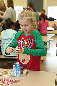 avon gingerbread making// Ava Looney 2nd