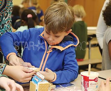 avon gingerbread making// Cory Child Kindergarten