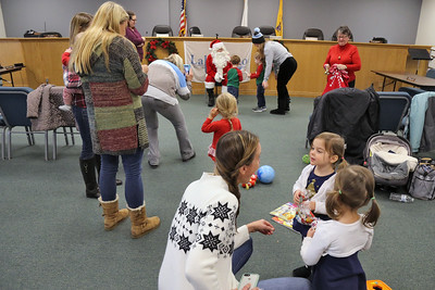 Santa Claus makes a surprise visit to the Lake Como Mommy & Me class held at Lake Como Municipal building on Wednesday December 19,2018. (MARK R. SULLIVAN /THE COAST STAR)