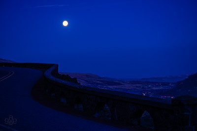 Blue moon illuminates the Rowena loops