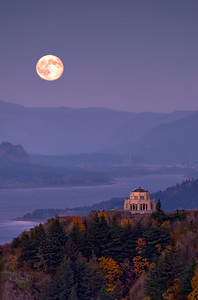 Harvest moonrise over Crown Point