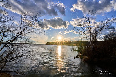 Sunset Starburt over the Potomac