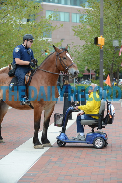 Police on horse1