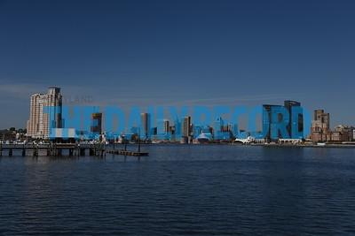 Domino Port ship skyline002MF