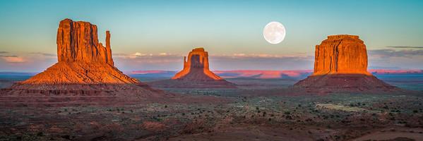 Monumental Moonrise