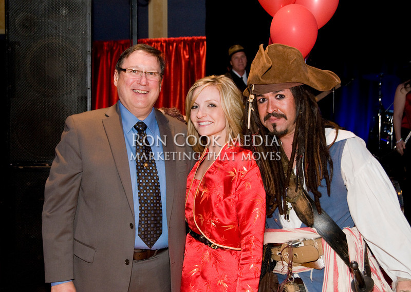 Martin Robistow, the lucky winner of an all expense paid trip to China, with Rachelle Pool and Captain Sam
