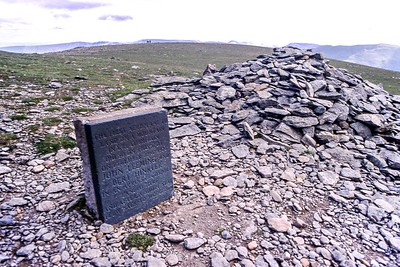 Helvellyn : The First Landing Memorial