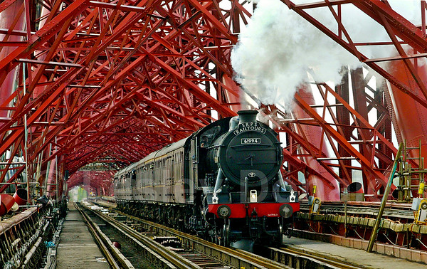 LDB_32  The Great Marquess Crosses The Forth Bridge