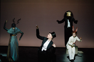 Madeleine Marion (Ant), ???, Bakary Sangaré (Lion), Françoise Gillard (Hare)