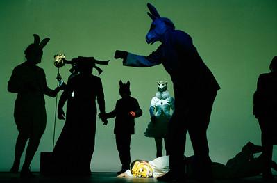 Françoise Gillard (Hare), Nicolas Lormeau (Ox), Laurent Natrella (Fox), Gérard Giroudon (Donkey), Laurent Stocker (Tiger), Coraly Zahonero (Lamb)